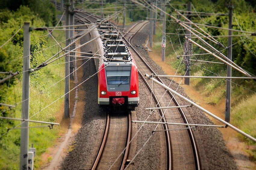 Bahn fahren