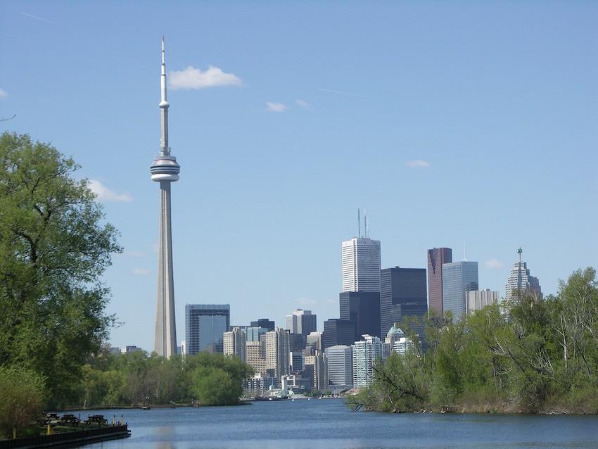 Torontos Skyline mit dem CN Tower – bis 2009 der höchste Fernsehturm der Welt