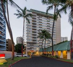 Ramada Plaza by Wyndham Waikiki 2