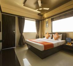 Capital O 661 Hotel Regal Inn 1
