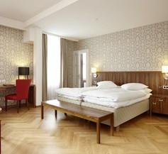 Hotel Waldhaus 2
