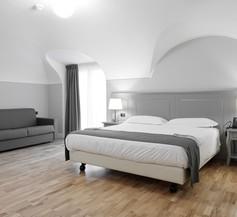 Hotel De Ville 2
