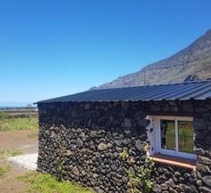 BEAUTIFUL COASTAL HOUSE ON A TRANQUIL ORGANIC FARM 2