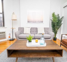 Yorkville East Side Apartments 30 Day Rentals 1