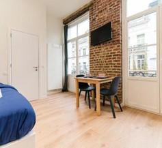 Cosy red-brick studio (close to Grand-Place & Bourse) 2