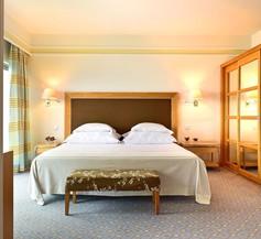 Pestana Carlton Madeira Ocean Resort Hotel 2