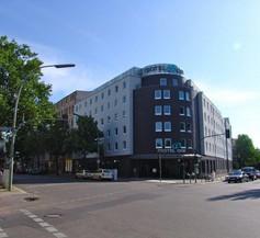 Motel One Berlin-Bellevue 1