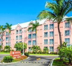 Comfort Suites Paradise Island 1