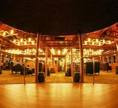 Vintage Luxury Yacht Hotel 1