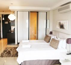 Manhattan Suites 1