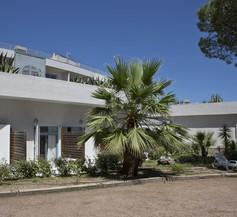 Zenitude Hôtel-Résidences La Tour de Mare 1
