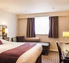 Premier Inn Bristol City Cen (Haymarket) 2