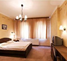 Renegade Hotel 1