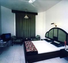 Hotel Ashish Plaza 1