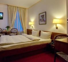Hotel am Kochbrunnen 2