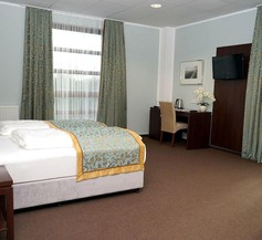 Hotel Class 2