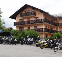 Landhotel Neuhof 1