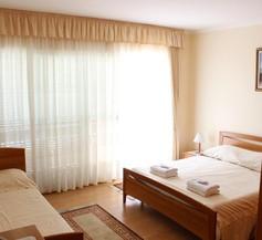 Guest House Anggela 1