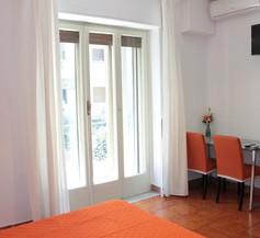 Primo Piano Guesthouse - Bari Policlinico 2