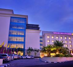 Grand Inna Padang 1