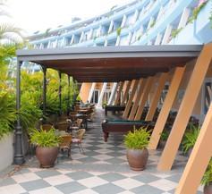Hotel Spa La Quinta Park Suites 2