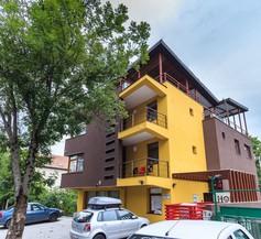 Aparthotel Gutinului 1