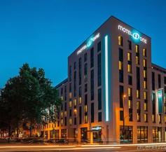 Motel One Düsseldorf-Hauptbahnhof 1