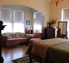 Pensacola Victorian Bed and Breakfast 2