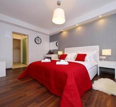 Lipotica Luxury Accommodation 1