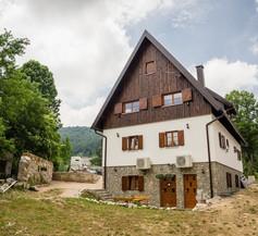 Rustic Lodge Plitvice 1