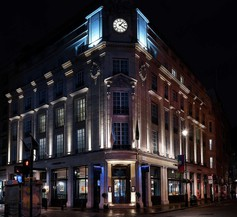 The Trafalgar St. James London, Curio Collection by Hilton 1