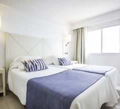 Blau Punta Reina Resort 2
