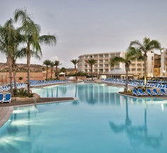 db Seabank Resort + Spa 1