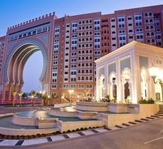 Oaks Ibn Battuta Gate Dubai 1