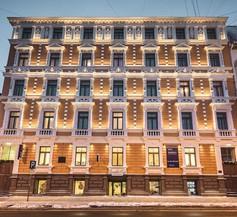 Bearsleys Downtown Apartments 2