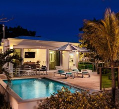 The Oasis at Grace Bay 1