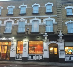 OYO The King William Hotel 1