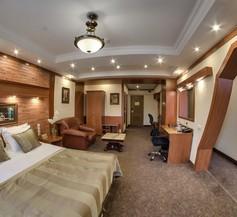 Uyut Hotel 2