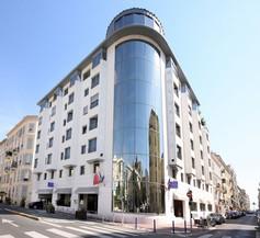 Goldstar Resort & Suites 1