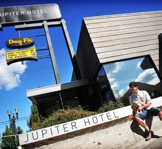Jupiter Hotel 2
