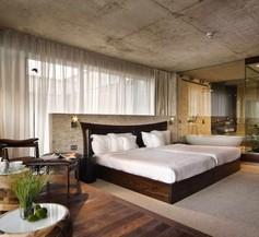 Graffit Gallery Design Hotel 1