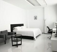 Yama Hotel & Rooftop Bar 2