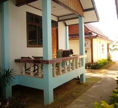 Lanta Paradise Beach Resort 1