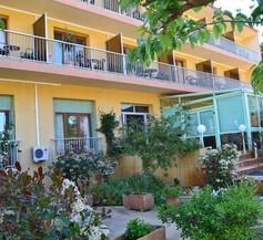 Hôtel Cyrnea 1