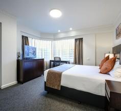Hotel Grand Chancellor Adelaide 2