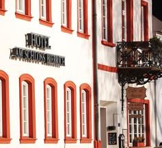 Am Schloss Biebrich 1