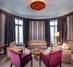Le Grand Hotel Tours 1