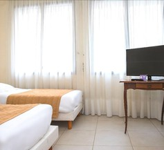 Hotel De Rosny 1
