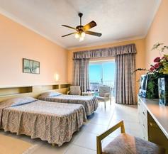 Paradise Bay Resort 2