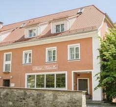 Hotel Garni Viktoria 2